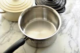 Removing Stains from Cooking Pots